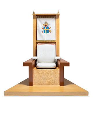 Papal Throne di Robert Somek disegnata nel 1994 (© Vitra Design Museum, foto: Andreas Sütterlin)