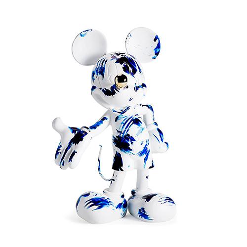 Marcel Wanders presenta la scultura <em>One Minute Mickey</em>. È stata realizzata a mano in scala naturale nell'atelier francese Leblon Delienne
