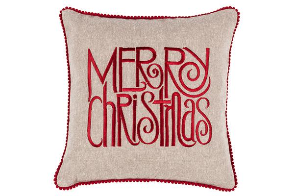 """Per i fanatici del Natale il morbido cuscino in cotone di <a href=""""https://www.fazzinihome.com/"""">Fazzini</a> (19,90 euro)"""