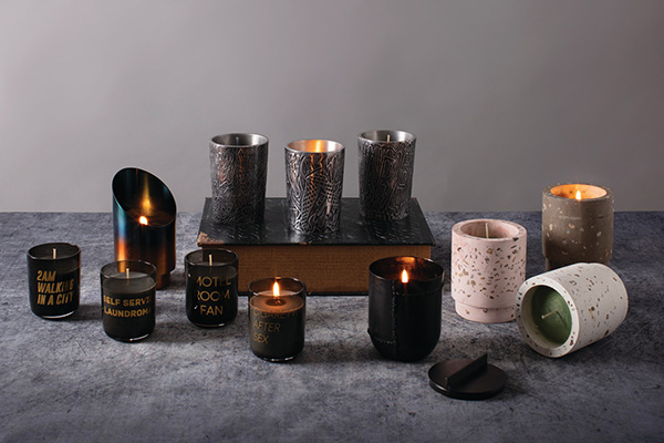 "Per i travel-addicted: evocano sensazioni provenienti da luoghi lontani le essenze delle candele Home Scents di Diesel Living with <a href=""https://www.seletti.it/"">Seletti</a>"