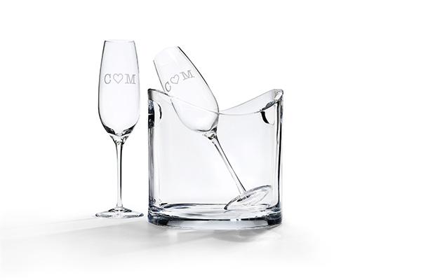 """Un regalo personalizzato e di buon auspicio: il flute da champagne in cristallo soffiato di <a href=""""http://www.tiffany.it"""">Tiffany&Co </a>si può serigrafare con leiniziali (30 euro)"""