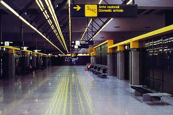 Nel 1981-82 il MID cura l'immagine coordinata e il sistema segnaletico della Sea, Società aeroportuale di Linate e Malpensa e delle Ferrovie Nord di Milano