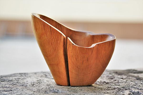 SM Design debutta a Homi e presenta il nuovo marchio d'artigianato in legno Sanisio che produce pezzi unici costruiti artigianalmente come la bowl in foto