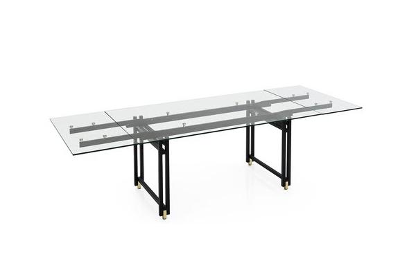 """Il tavolo allungabile <em>Berlin</em> di Archirivolto è una delle novità 2019 firmate <a href=""""https://www.calligaris.com/it_it/"""">Calligaris</a>"""