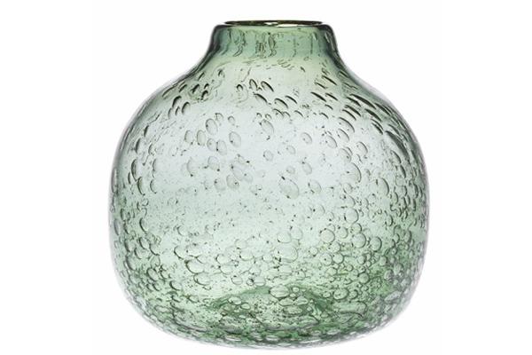 Ikigai, la collezione di vasi in vetro verde soffiato con particolari in metallo dorato di Villa Altachiara