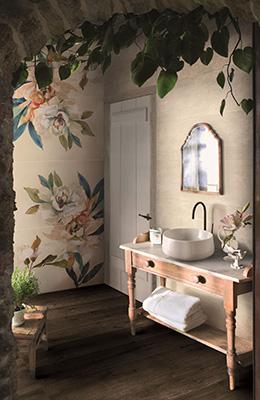 Il decoro atema floreale<em>Magnolia</em> è disponibile nelgrande formato 130x97,7 centimetri. Si compone di4 elementi