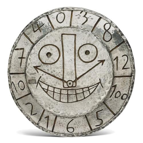 """Dove aggiudicarsi un pezzo firmato da Andy Warhol, Banksy, Salvador Dalì o Henri Matisse? A Londra durante la vendita Evening & Day Editions tenuta dalla casa d'aste <a href=""""http://www.phillips.com"""">Phillips</a>. Il pezzo in foto, raffigurante un orologio, porta per esempio la firma di Pablo Picasso e ha un valore stimato tra i 28.000 e i 40.000 euro"""