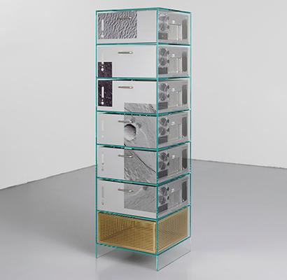 I rifiuti elettronici riciclati diventano arredi per ufficio, nel progetto Ore Streams del duo di designer italiani Formafantasma