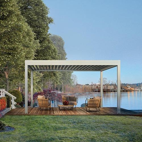 """Tra le novità firmate <a href=""""http://www.gibus.it"""">Gibus</a> la pergola bioclimatica Med Joy pensata per terrazze e piccoli giardini"""