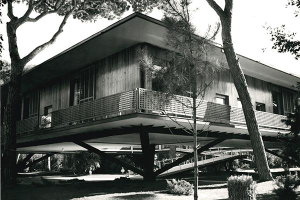 Villa Presidenziale del Gombo nel Parco Regionale di Migliarino di Edoardo Monaco, Amedeo Luccichenti (1955-60)