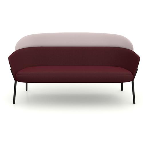 Per la collezione Wam (Wait a minute) disegnata da Marco Zito, il nuovo divanetto a due posti di Bross ha lo schienale personalizzabile con diversi tessuti e colori
