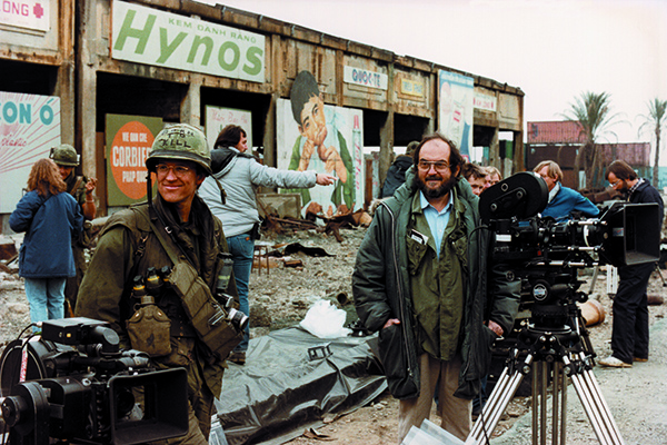 L'attore Matthew Modine con Stanley Kubrick sul set di <em>Full Metal Jacket</em> (foto Warner Bros. Entertainment Inc)