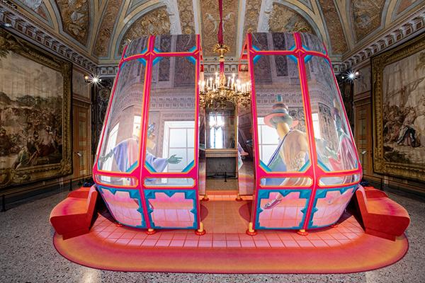 Doppio appuntamento a Palazzo Reale: non solo la mostra di Kartell, anche <em>De Coding. Alcantara nelle Sale degli Arazzi</em> chiude il 12 maggio