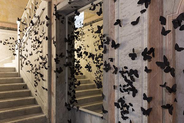 Le 15.000 farfalle di L'ora dannata di Carlos Amorales voleranno via dalle stanze di fondazione Adolfo Pini l'8 luglio