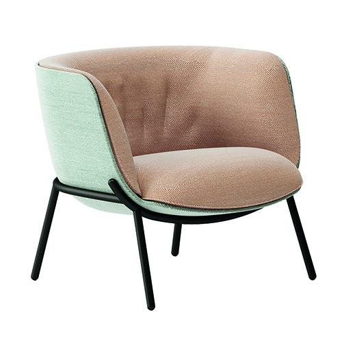 Per Infiniti, Bombom è una poltrona con seduta sfoderabile ideata da Favaretto&Partners