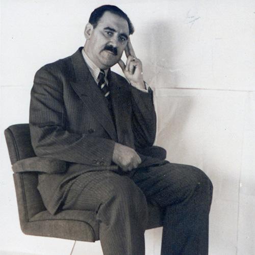 """WEIL AM RHEIN - <a href=""""https://design.repubblica.it/2019/02/16/bauhaus-i-padri-del-design/#1"""">Nell'anno del centenario del Bauhaus</a> si moltiplicano gli eventi dedicati alla grande scuola tedesca (<a href=""""http://www.bauhaus100.de"""">qui</a> il calendario completo). In Germania il <a href=""""https://www.design-museum.de"""">Vitra Design Museum</a> dedica la prima mostra di sempre all'imprenditore e designer Anton Lorenz. Un personaggio poco conosciuto, ma di rilievo poiché fu uno dei primi a sviluppare le potenzialità del tubolare d'acciaio. <em>Anton Lorenz: from Avant-Garde to Industry</em> è in programma fino al 19 maggio"""