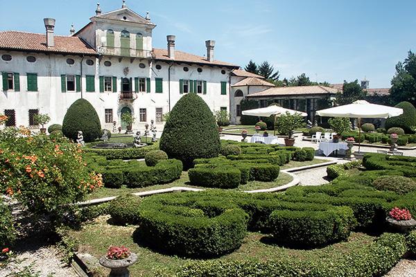 Villa dei Clarinci Dornpacher, Moimacco (Udine)