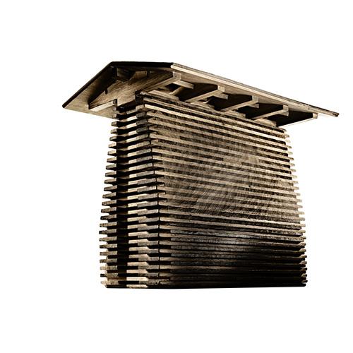 """PIETRASANTA -<a href=""""http://www.antoniajannone.it/"""">AntoniaJannoneDisegni di Architettura</a>inaugura il 21 giugno un calendario ricco di interessanti mostre che coniugano arte, design e architettura. Si parte con la pittura diAlessandro Busciche incontra le sculture diMichele De Lucchi (nella foto di  Tom Vack l'opera in legno<em><a href=""""https://design.repubblica.it/2017/11/12/cataste-le-case-scultura-di-de-lucchi-alla-galleria-jannone/#1"""">Cataste</a></em>). Fino al 13 ottobre"""
