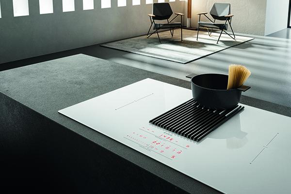 NikolaTesla Libra è il primo piano cottura sul mercato a integrare una bilancia direttamente sulla superficie del piano
