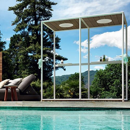 """L'effetto relax è garantito con <em>Wazebo</em> by <a href=""""https://www.zucchettikos.it"""">Kos</a>, un progetto firmato da Ludovica+Roberto Palomba che si presenta come un mini padiglione wellness"""