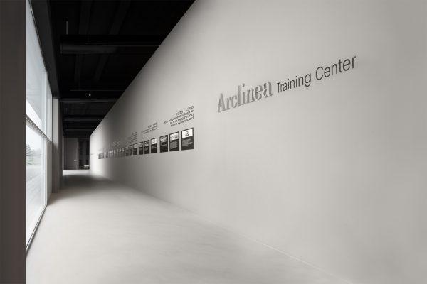 Ha aperto le porte agli addetti ai lavori il nuovo Show Room & Training Center Arclinea a Caldogno, nella sede storica dell'azienda nata nel 1925