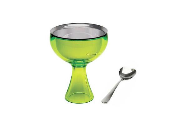 """La coppa con cucchiaino per gelato <em>Big love</em> è uno dei prodotti in promozione sul sito di <a href=""""http://www.alessi.com"""">Alessi</a>"""