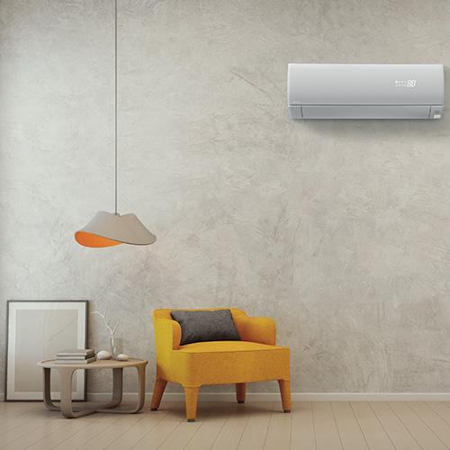 """10 - <em>Occhio alla pulizia e alla corretta manutenzione</em>I filtri dell'aria e le ventole devono essere ripuliti alla prima accensione stagionale e almeno ogni due settimane, perché si tratta del luogo dove si annidano frequentemente muffe e batteri dannosi per la salute, quale il batterio della legionella che può essere mortale. È importante inoltre controllare la tenuta del circuito del gas <br> In foto<em>Premium Frost Wash</em> di<a href=""""https://www.hitachiaircon.it/it"""">Hitachi</a>con tecnologia checattura, congela e lava via polvere, muffe e impurità garantendoigiene del condizionatore e un ambiente sano"""
