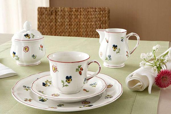 """<a href=""""http://www.villeroy-boch.it"""">Villeroy&Boch</a>sconta del 30% anche alcuni pezzi della collezione <em>Petite Fleur</em>"""
