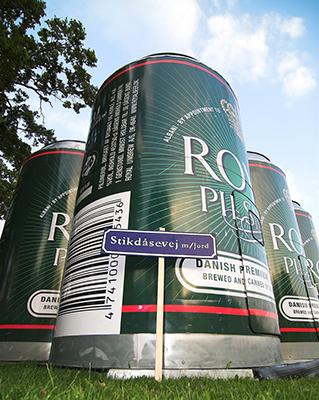 """Il festival di musica <a href=""""http://smukshop.dk"""">Smukfest</a>, che si tiene in estate a Skanderborg nella regione dello Jutland centrale, regala originali esperienze. Come quella di dormire in una struttura che ricorda un grande barile di birra. Ospita due persone ed è completamente accessoriato"""