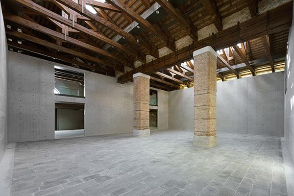 Punta della Dogana, il nuovo centro d'arte contemporanea della François Pinault Foundation, quest'anno compie 10 anni dalla sua riapertura a seguito dei lavori di ristrutturazione firmati da Tadao Ando (foto Andrea Jemolo)
