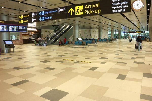 Tecnicamente resistenti, antiscivolo e facili da pulire, le collezioni Naos e Stonehenge di Lea Ceramiche abbelliscono  il terminal 2 e 3 dell'aeroporto Changi di Singapore