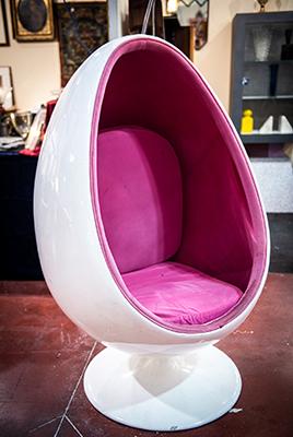 La sedia <em>Egg Pod</em> di Eero Aarnio, anni 1960-69