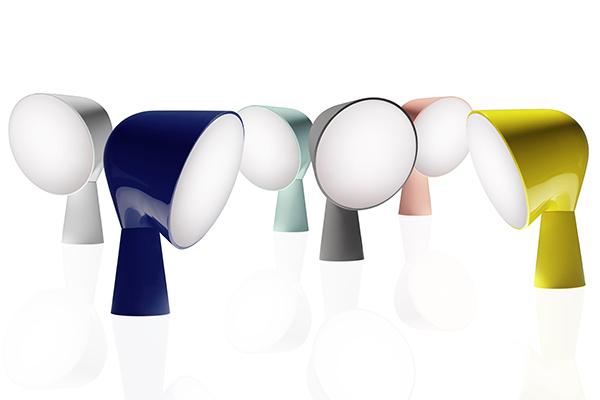 """Nuovi colori per la lampada Binic di Ionna Vautrin per <a href=""""https://www.foscarini.com"""">Foscarini</a>, in promozione nello spazio di Corso Monforte a Milano. Le riduzioni partono dal 15 per cento e durano dal 28 novembre al 4 dicembre"""