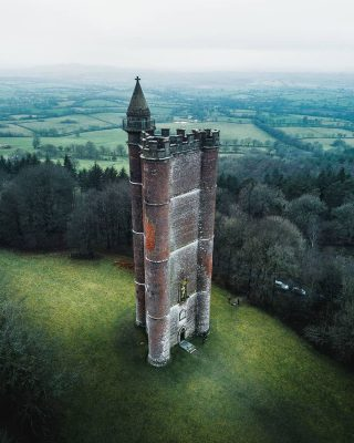 Un vecchio castello in Inghilterra (dal profilo Instagram di @itsabandoned)