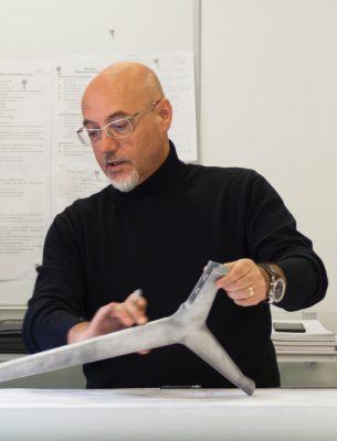 Classe 1959, Giuseppe Bavuso è un architetto e designer chevive e lavora a Seregno, in Lombardia. A seguire alcuni suoi prodotti realizzati nel campo dell'arredamento