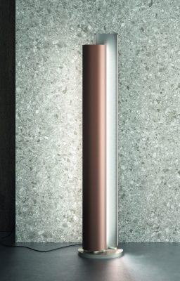 """Stilus, termosifone/lampada freestanding con illuminazione incorporata progettata per <a href=""""http://www.caleido.it/"""">Caleido</a>"""