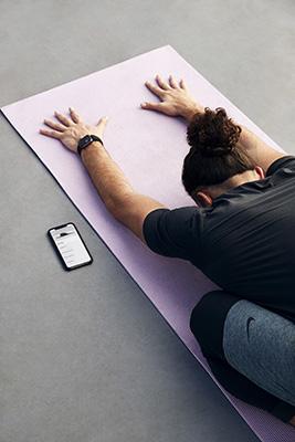 """La Ntc di <a href=""""https://www.nike.com/"""">Nike</a> (Nike Training Club App) offre workout gratuiti creati dai Nike Master Trainer organizzati in base ai propri obiettivi, al gruppo muscolare da allenare, alla durata, all'attrezzatura a disposizione o alla finalità (resistenza, mobilità, forza o yoga). Disponibile per Ios e Android, offre anche classi in diretta"""