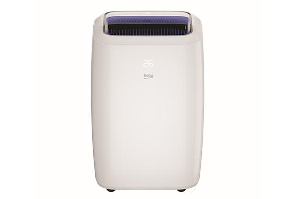 """Il nuovo climatizzatore portatile <a href=""""https://www.beko.com/it-it"""">Beko</a> BP113H raffredda l'aria d'estate e, grazie alla pompa di calore mediante l'inversione del ciclo termico di cui è dotato, riscalda l'ambiente domestico con consumi pari a una stufetta elettrica o un termoventialtore"""