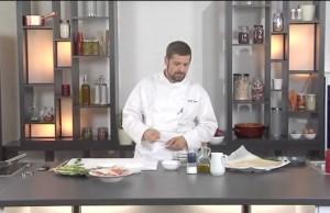 Torta con asparagi, ricotta e prosciutto crudo