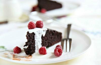 Torta soffice al cacao senza uova