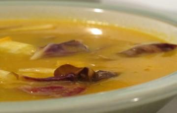 Zuppa di zucca con radicchio