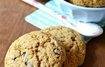 Cookies al muscovado, nocciola e fiore di sale