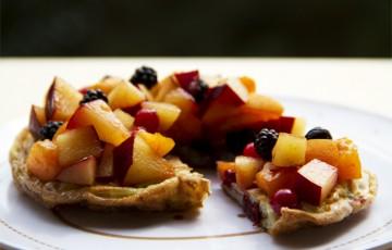 Frittata dolce con frutta fresca