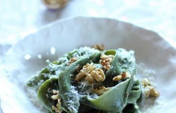 Pappardelle verdi con Formaggio di Fossa e noci