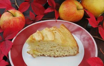 Torta vegana con mele e liquore Zibibbo