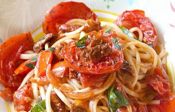 Spaghetti ai 3 pomodori e colatura di alici
