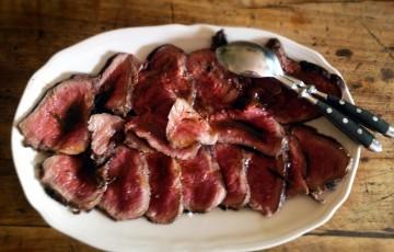 Roast beef con capperi e olive nere