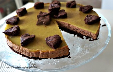 Torta mousse al cioccolato con gelatina al kiwi