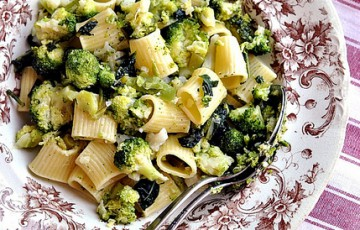 Mezze manica con broccolie cavolfiore