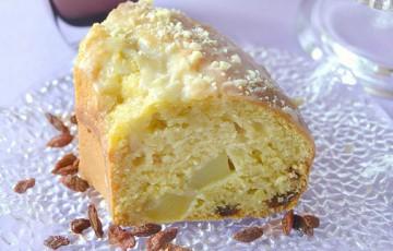 Torta di mele morbida con bacche goji